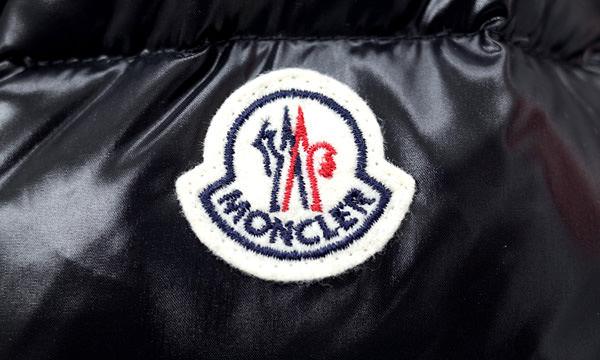モンクレールのワッペンの形状、縫い付け 本物