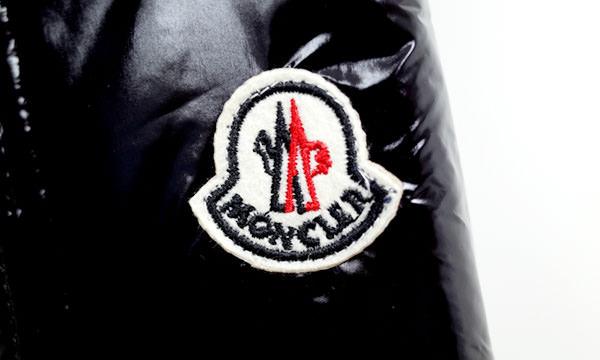 モンクレールのワッペンの形状、縫い付け 偽物